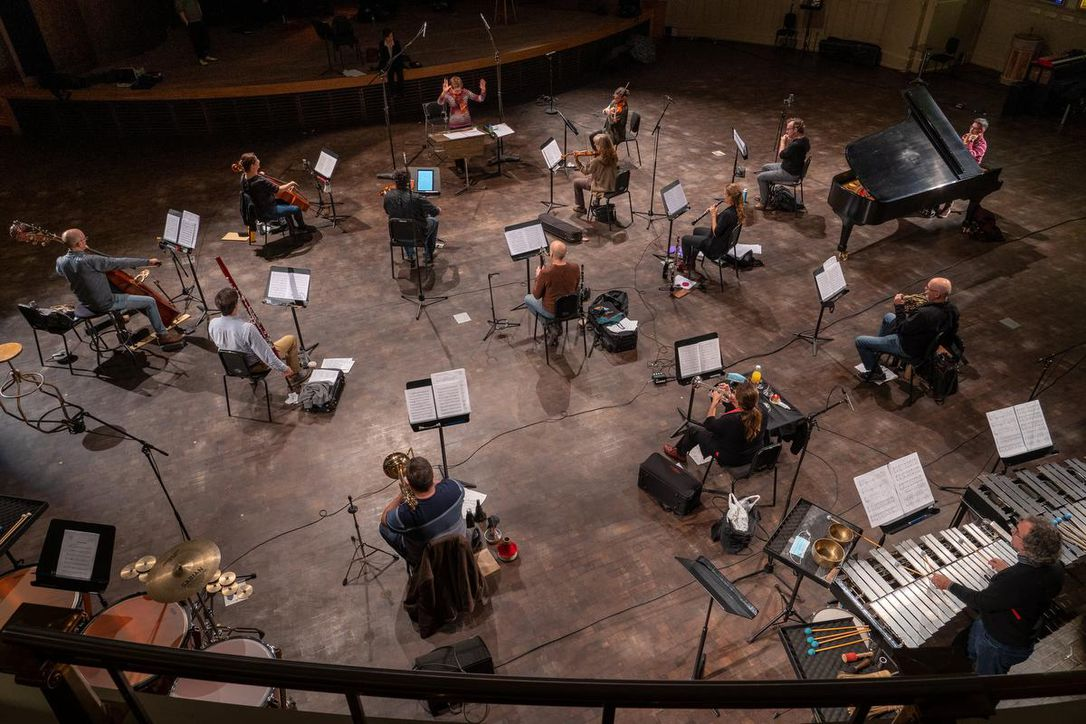 """Le Nouvel Ensemble Moderne rehearsing Keiko Devaux's """"Arras"""" in the Salle Bourgie at the Montreal Museum of Fine Arts"""